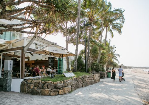 Dining along Noosa main beach